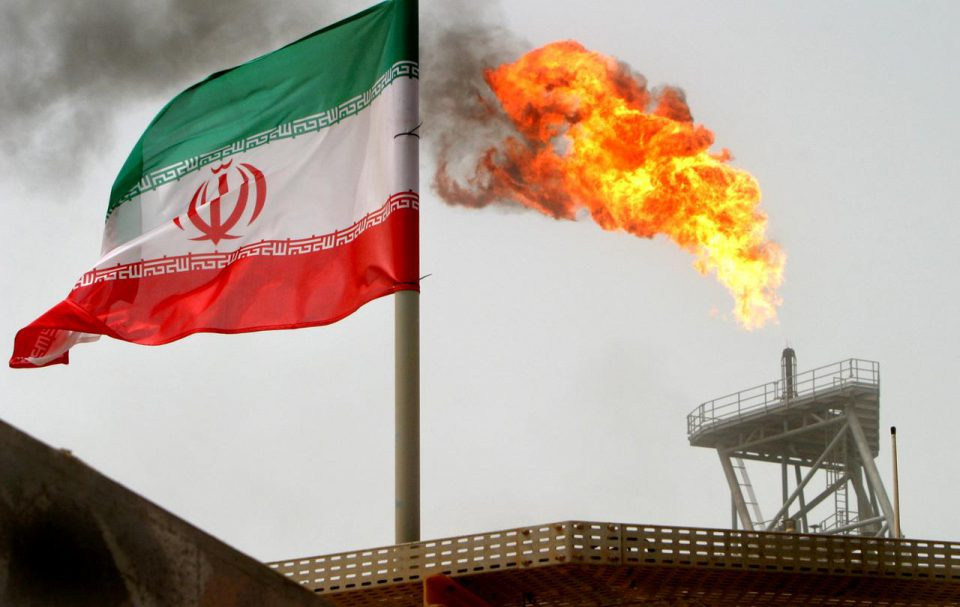 US Threatens to do Away with Waivers for Iranian Oil Importers