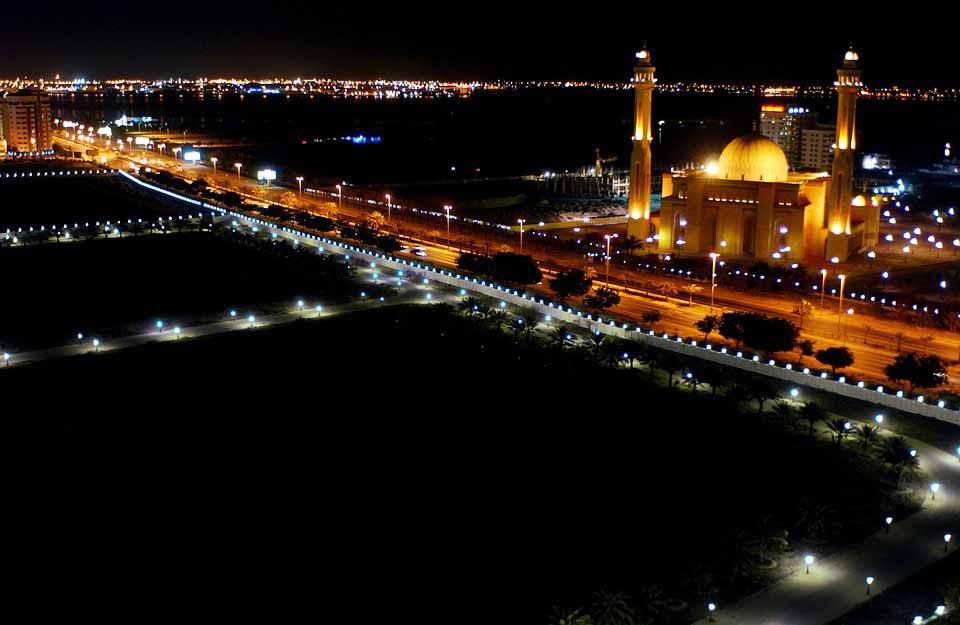 Bahrain Building World's Largest Underwater Theme Park