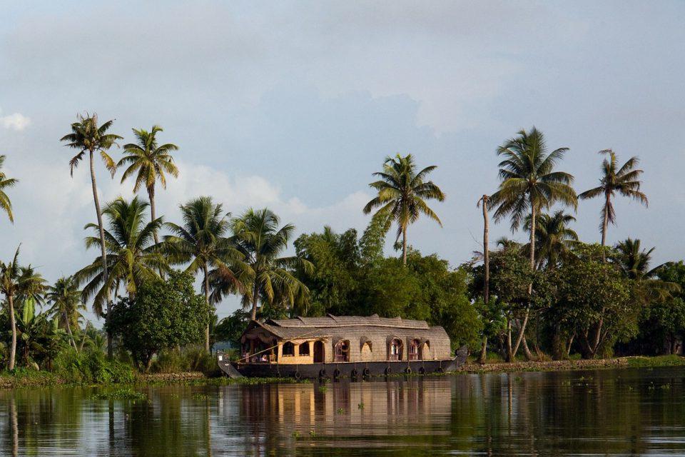Houseboat Services to start at Chilika and Bhitarkanika